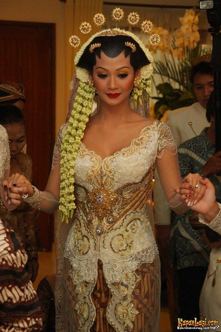 javanese wedding clothes