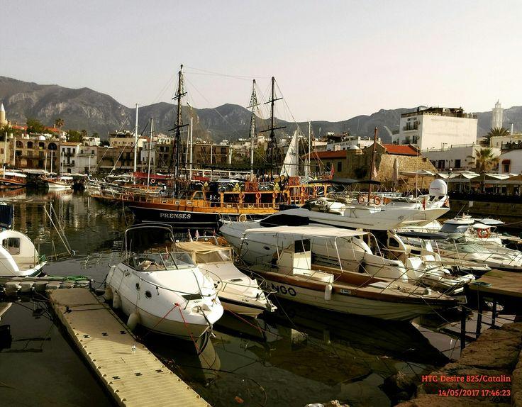 #harbour#girne#cipru#sea#boats⛵ #sun#veryhotday 🌞🌡😓⚓🚢⛵🚤
