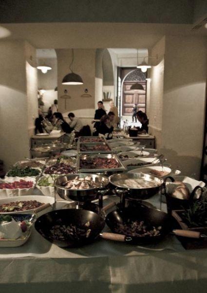CHE SIA CARNE O PESCE ANGELINA A TREVI SAPRÀ CONQUISTARVI #Angelina vi aspetta nel suo #ristorante a Trevi #Roma con piatti della tradizione e fresche novità.