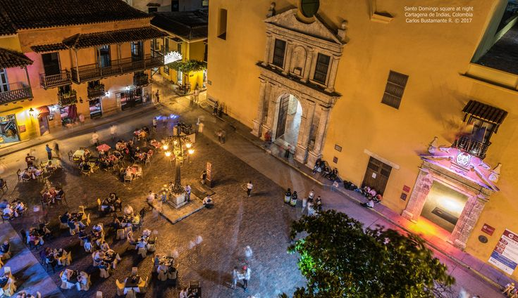 https://flic.kr/p/22JShNN | Santo Domingo square at night