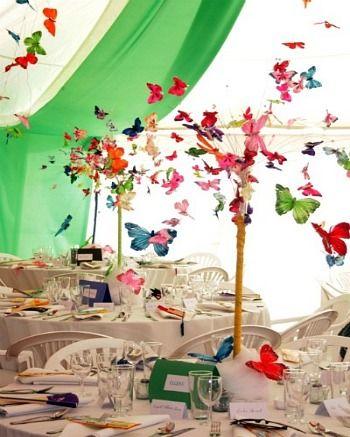 Une envolée spectaculaire de papillons #DIY #TablesenFête #RoquefortPapillon
