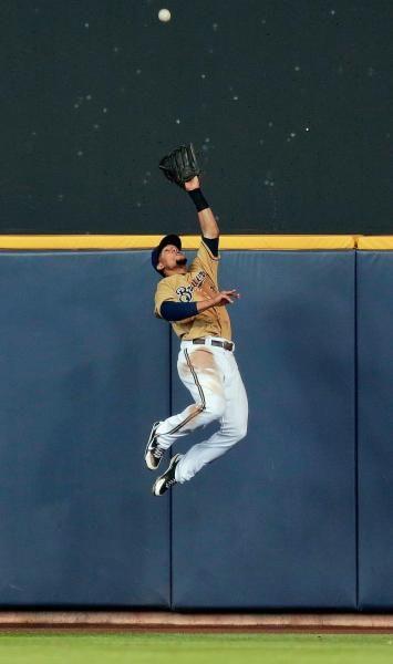 Milwaukee Brewers center fielder Carlos Gomez