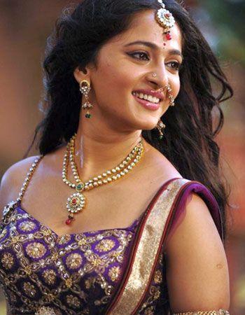 moviestalkbuzz: Anushka Rudramadevi Release