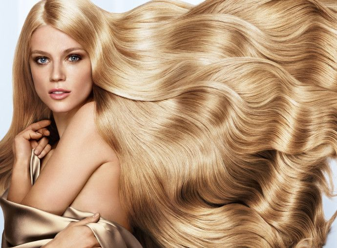 Ослепительный блонд: Tоп-5 средств для блондинок. Не  секрет, что поддерживать окрашенные светлые волосы в хорошем состоянии не так уж  и легко. Они нуждаются в постоянном и тщательном уходе. А, чтобы волосы не желтели, сохраняли цвет и имели ухоженный вид, предлагаем ТОП-5 средств для светлых волос, которые вернут им жизненную силу и натуральный блеск. http://kickymag.ru/sovet/oslepitelnyj-blond-top-5-sredstv-dlya-blondinok-2/