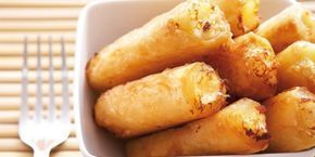 Το γνωστό μας «υποβρύχιο» μαζί με αμύγδαλα τυλίγεται μέσα σε φύλλα κρούστας και γίνεται ένα υπέροχο γλυκό, όλο γεύση και άρωμα.