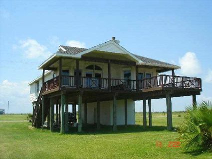 Google Image Result for http://www.sellinggalveston.com/images/upload/galveston_beach_house_rental.jpg