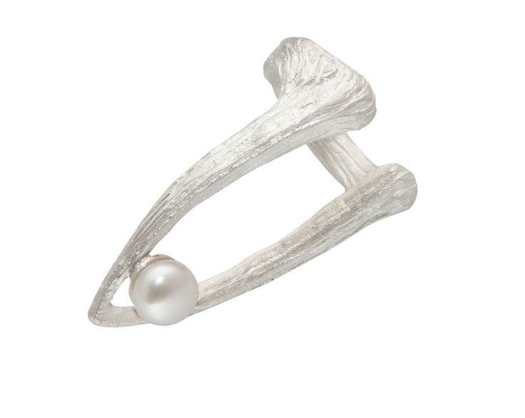CUTTLEBONE TIP PEARL RING / sterling silver, fresh-water pearl
