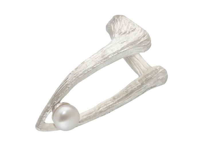 CUTTLEBONE TIP PEARL RING / sterling silver, fresh-water pearl