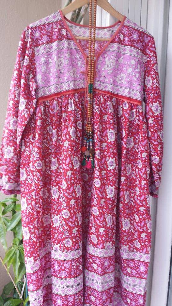 Retrouvez cet article dans ma boutique Etsy https://www.etsy.com/fr/listing/529206395/robe-gaze-de-coton-indien-longue-rouge