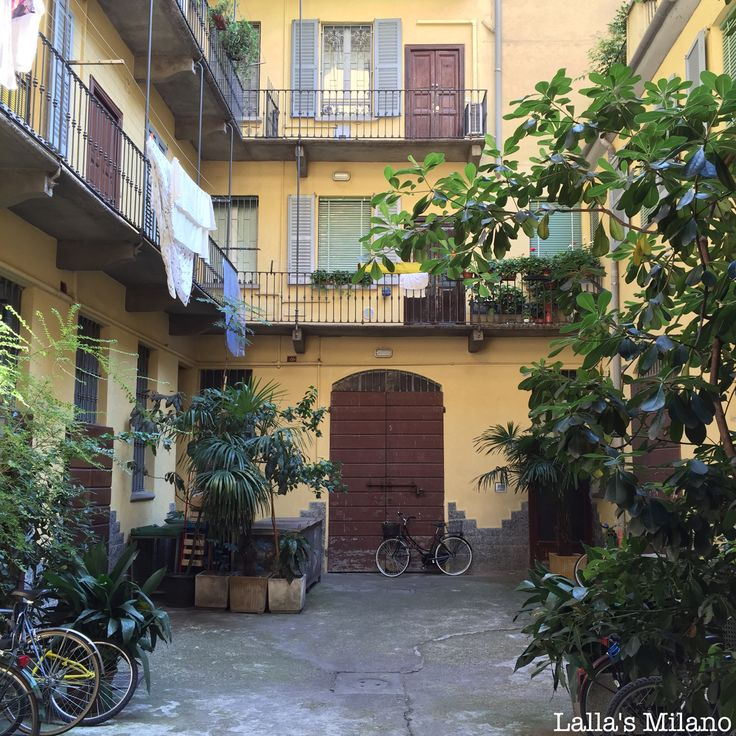 Beauty behind every door - Case di ringhiera #Milano #bellaMilano