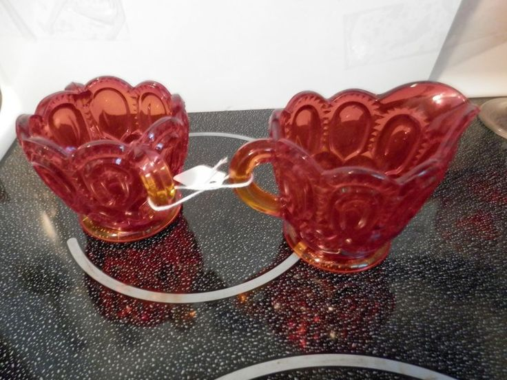 "Vintage L. E. Smith Glass Amberina ""Moon and Stars"" Cremer and Sugar Set"