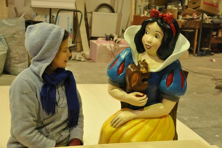 Hello Snow White, your squirrel is sweetie:)