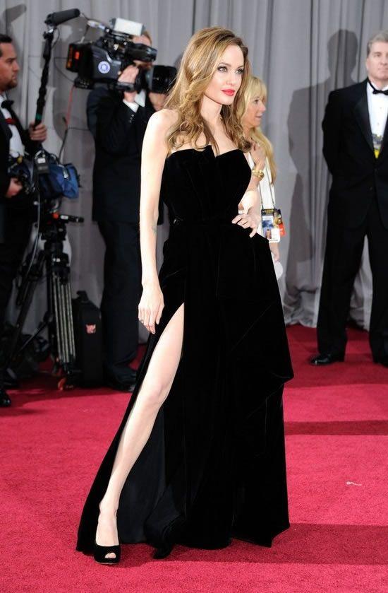 Angelina Jolie look gorgeous