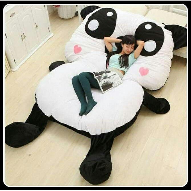 Letto gigante panda http://www.scegli-e-compra.com/483-cuscini-e-letti-giganti-divertenti