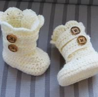 Looking for crocheting project inspiration? Check out Classic Snow Boots Pattern, 0-12 months  by member Crochet Dreamz.
