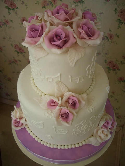 Wedding cake by Fatma Ozmen Metinel Cake Designer, via Flickr