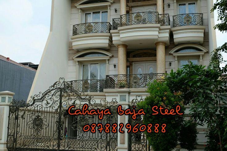#besi #tempa #klasik #pagar #pintu #pintuklasik #balkon #railing #tangga #gerbang #tanggalayang #tralis #kanopi #bengkel #bengkellas #besitempa #besitempajakarta #interior #exterior #arsitektur #railingtangga #pintugerbang #pagarklasik #wroughtiron #gate #fance #iron #balcony #stair #ironwork #handmade #ornamen #ornamencoralluminium #ornamenbesitempa #ornamentcastiron #kontruksi #rumahklasik #design #meubel