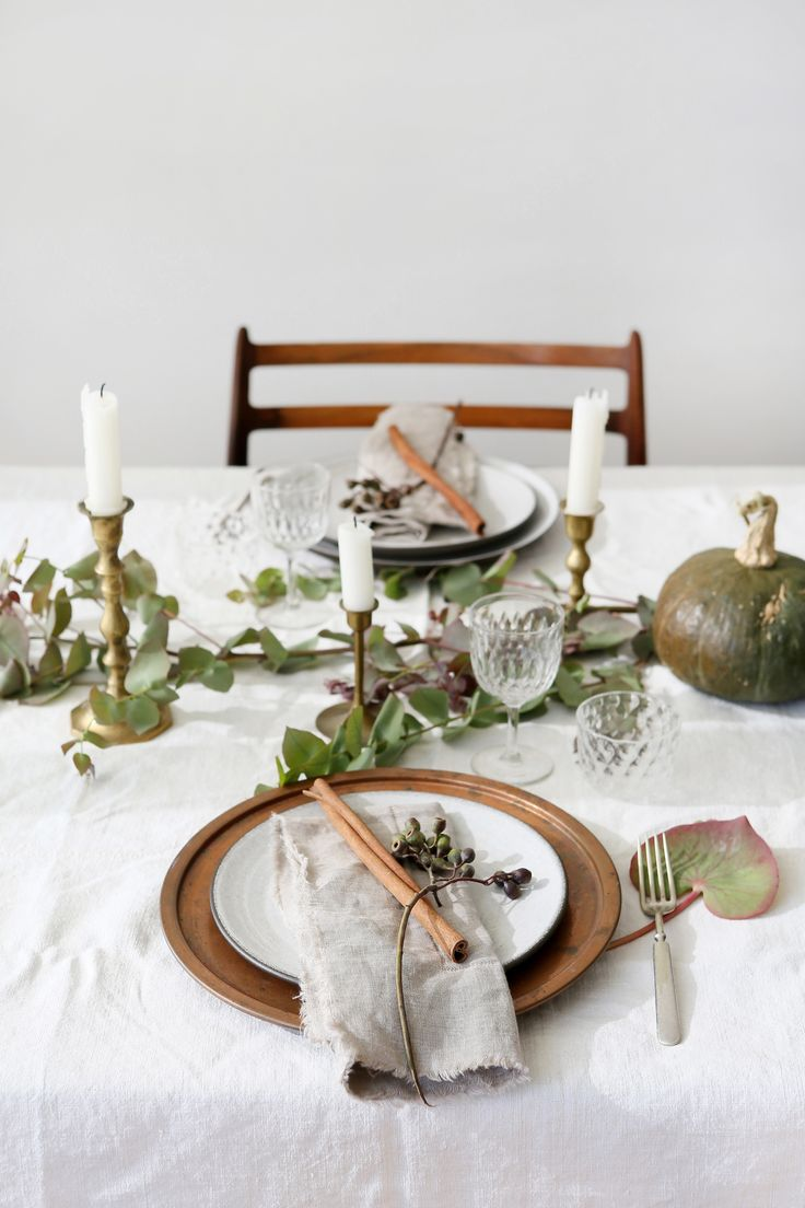 Thanksgiving Table Setting Rules to Live By | EyeSwoon