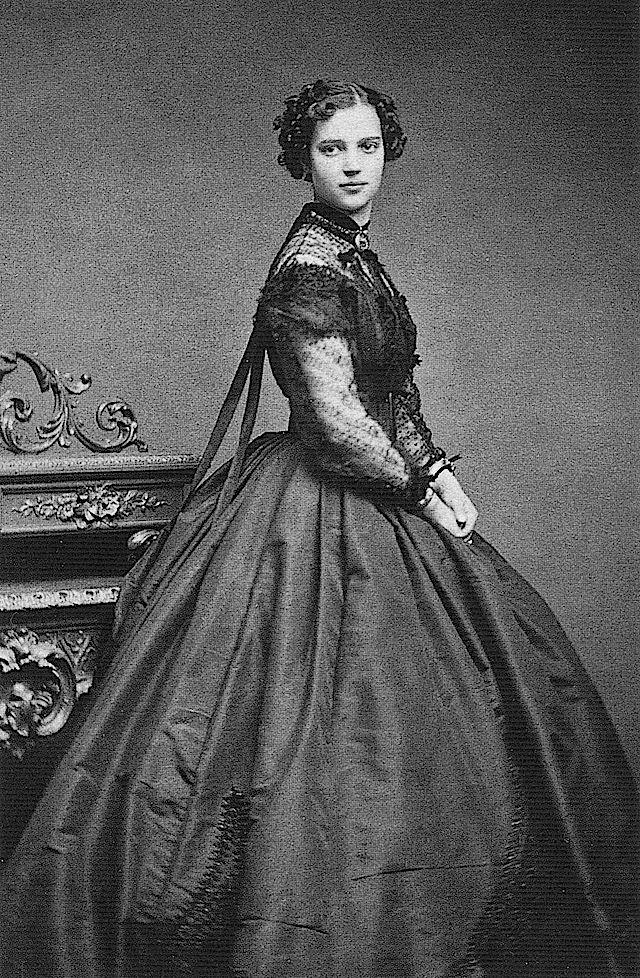 : Alexander Iii, Evening Dresses, Maria Feodorovna, 1860 S,  Crinolin, Civil War, Tsar Nicholas, 1860S, Princesses Dagmar