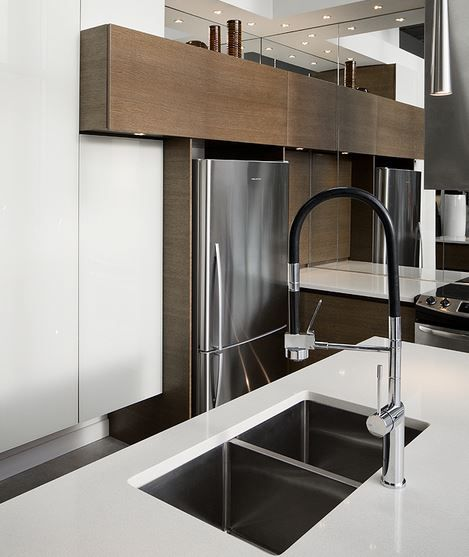 Robinet de cuisine monotrou noir Sakai - Robinets de cuisine modernes - Plomberie Mascouche