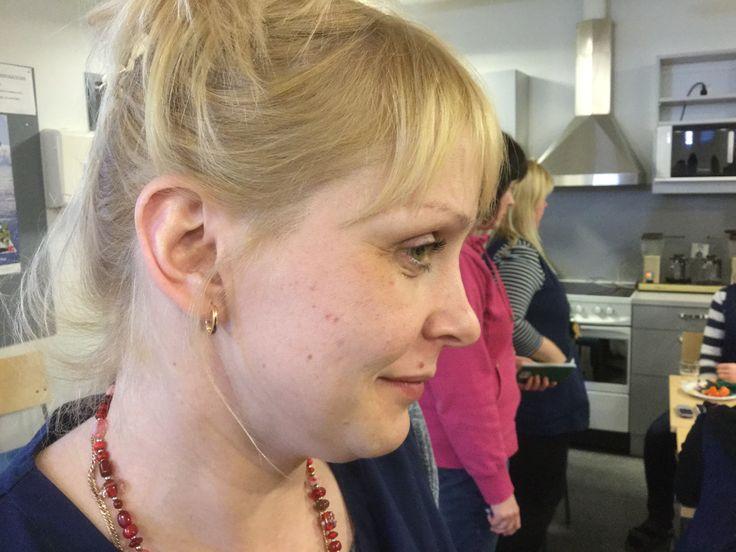 Minä olen Elina. Rakennan uuden ajan asiakaslähtöistä kotihoitoa Salkuttajissa. #FiksuKotihoito