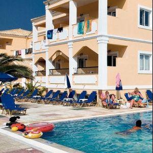 Hotel Mimosa - A Mimosa Hotel Sidari tengerparti útján, abszolút a központban található kétemeletes, 3 blokkból álló hangulatos korfui szálloda.
