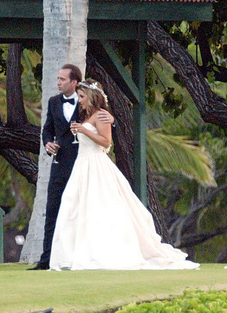 Lisa Marie Presley married Nicholas Cage, August 10, 2002, in an outdoor wedding at the Mauna Lani Bay Hotel on the Big Island of Hawaii. It only lasted 3 months.
