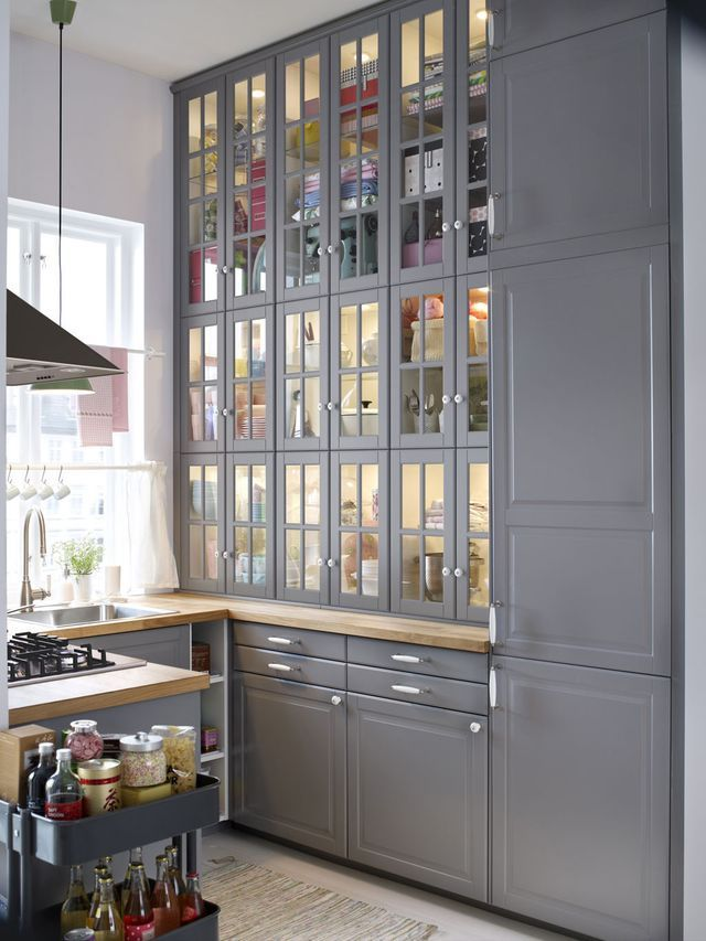 Relooker une cuisine rustique repeindre les meubles de for Cuisine 8m2 ikea