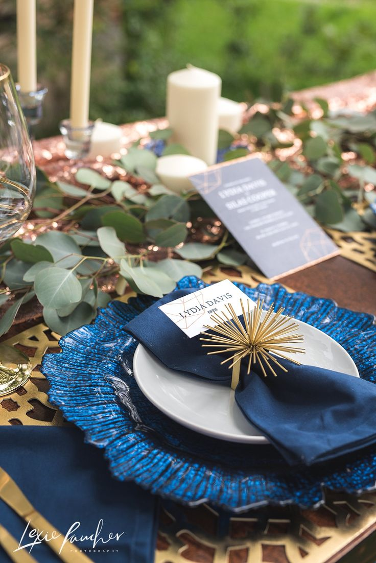 Hands of Hollis. Paper goods. Invitations. Navy and Gold. Tablescape. Wedding. Place Setting. Lexie Faucher Photography. Dallas. Fort Worth. Traveling Photographer.