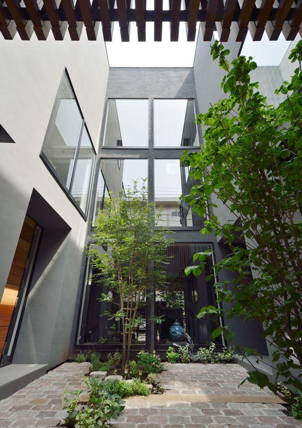CASE 357   中庭のある2世帯住宅(神奈川県横浜市)  高級住宅・豪邸   注文住宅なら建築設計事務所 フリーダムアーキテクツデザイン