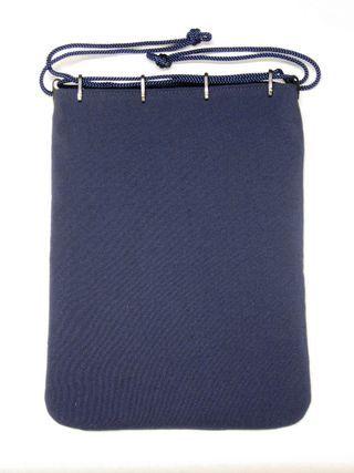 礼装用(仏事)正絹小浜ちりめん合財袋です。紐通しのプラスティック製のコキもこげちゃ色に着色してあります。  by 藤井袋物