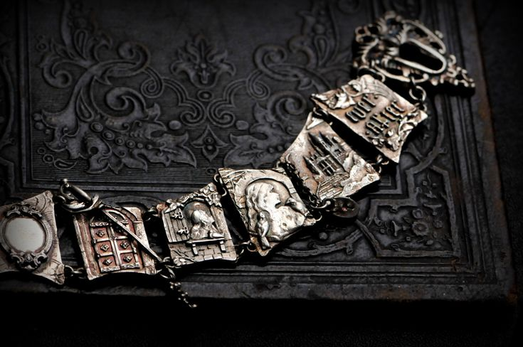 The Fairytale bracelet.