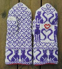 The size of these mittens is determinded by the gauge and result to be a Woman's size M