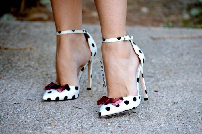 Skirt // CHICWISH   Top // Stradivarius, similar here   Shoes // ASOS (sold out), similar here   Purse // ZARA, similar here      JavaS...