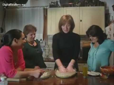 Ζεματιστή Τυρόπιτα της κ. Αθηνάς - YouTube