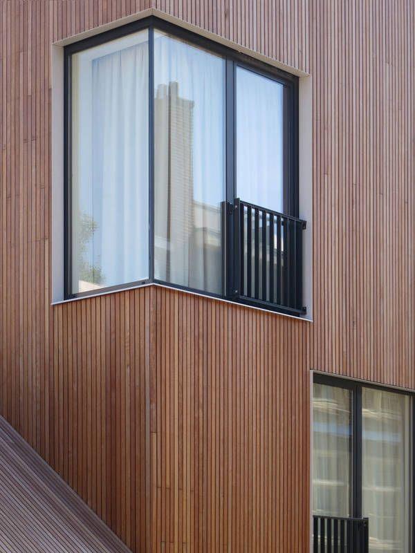 Wohnhaus in Amsterdam von M3H architecten, Eckfenster