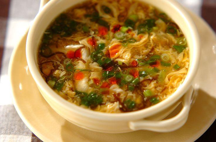 もずくとショウガが入った、美容に良いスープ。卵の量はお好みで。もずくのサンラータン風スープ[中華/スープ]2009.11.16公開のレシピです。