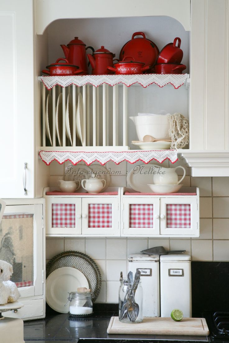 62 best images about red country living on pinterest painted cottage quilt display and shabby - Tijdschrift chic huis ...