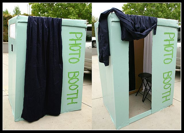 No-Cost Homemade Photo Booth