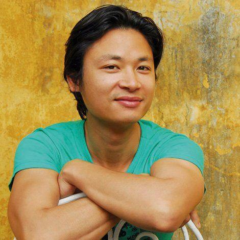 The Songs of Sapa - Luke Nguyen of Red Lantern - 2009 - 1st Edition - Vietnamese