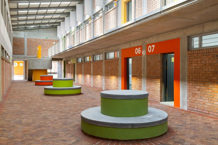 Heideveld Primary School - internal covered courtyard