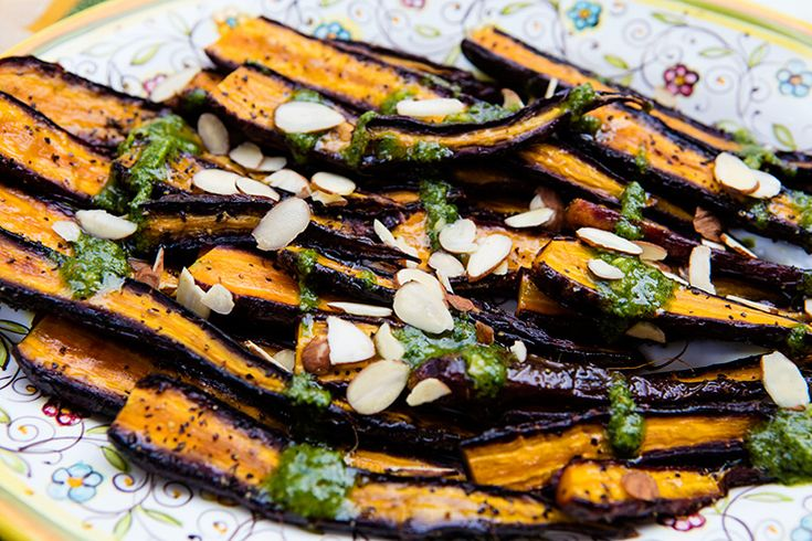 Caramelized Roasted Carrots With Parsley Almond Pesto – Italian Food Forever