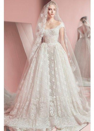 Vestito in pizzo floreale - Collezione sposa Zuhair Murad 2016: modello in stile principessa con scollo omerale