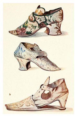 Zapatos de señora española siglo XVIII.