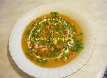 Zupa z pieczonej dyni z pulpecikami - Przepis - Smaker.pl