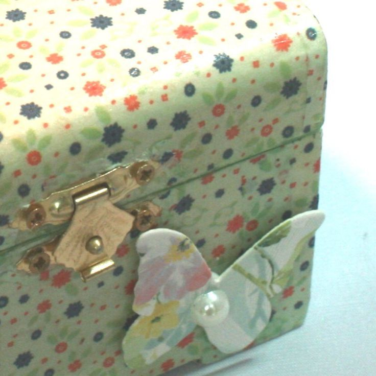 Green wooden hinged floral jewellery or trinket box