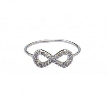 Dieser märchenhaften Ring mit Unendlichkeitszeichen von Tashimani wird von Hand aus Sterlingsilber gefertigt.