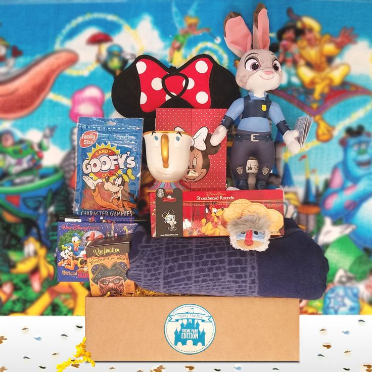 I am so pumped to get my first Mickey Monthly box!! Disney Subscription Box - Kingdom Box -mickeymonthly.com