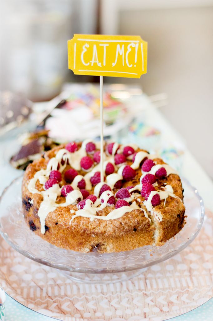 Vegan witte chocolade-frambozencake. Simpel recept!