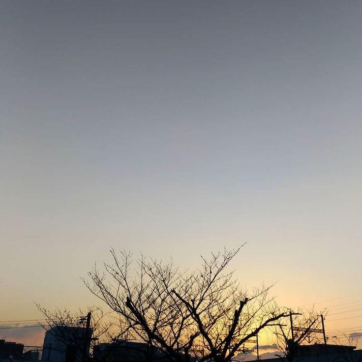 おはようございますリハビリ出勤の後の三連休初日いい天気の朝です #空 #雲 #sky #cloud #イマソラ #おはよう #goodmorning
